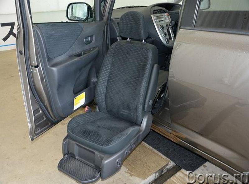 Toyota Ractis с выдвигающимся креслом для инвалида - Легковые автомобили - 2008 г.в., объем двигател..., фото 1